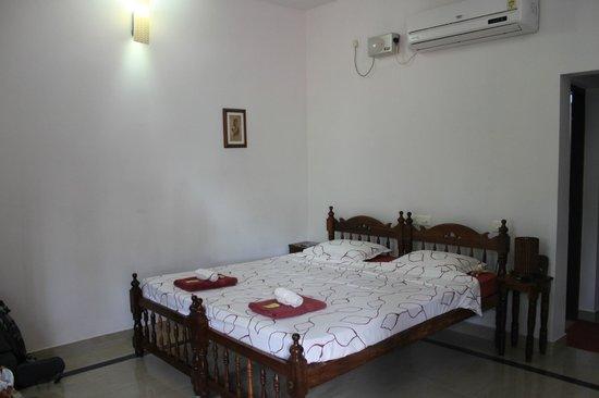 Mango Villa: aircon room