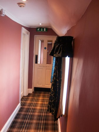 Innkeeper's Lodge: In the hall to the rooms