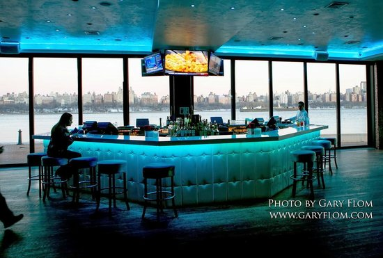Waterside Restaurant and Catering: 1st floor bar