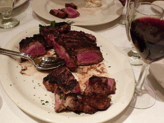 Frankie & Johnnie's Steakhouse: Frankie and Johnnie's Steakhouse Porterhause