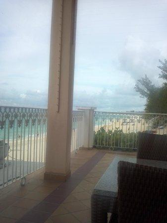 Hotel Riu Palace Paradise Island: Outdoor buffet area
