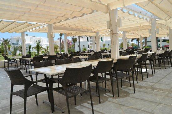 Vincci Helios Beach: veranda ristorante principale