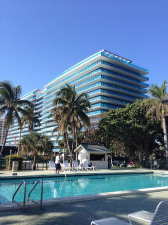Silver Sands Beach Resort : Pool and adjacent neighbor