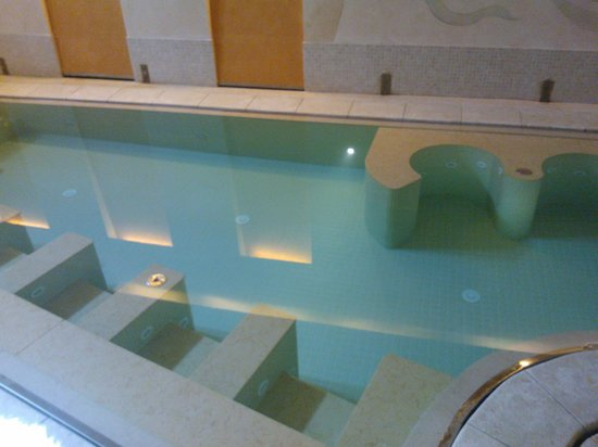 Hotel Caesius Thermae & Spa Resort: Piscina con idromassaggi