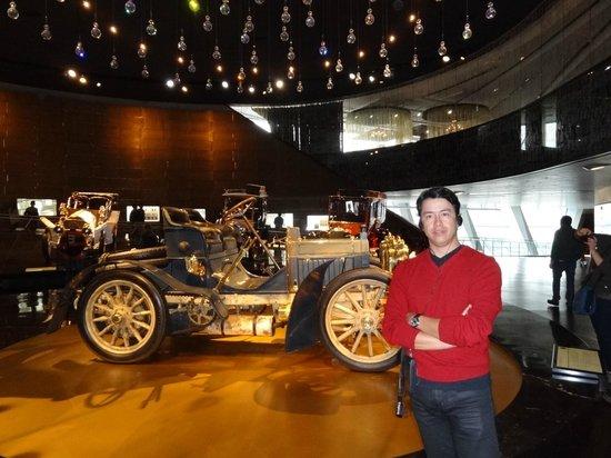 Mercedes-Benz Museum: Auto de carreras de los años 30´s