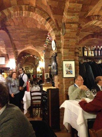 Grotta di Santa Caterina: Interno del ristorante
