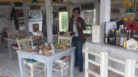 Poggio Bellavista: Frühstücks- u. Speiseraum von innen