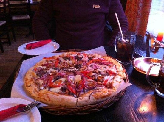 Meat Feast Pizza @ Peppes Pizza Tromsø