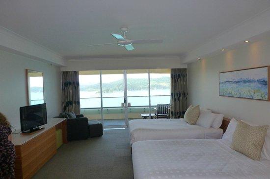 Reef View Hotel : Master bedfroom