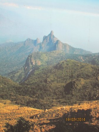 ExplorIndya with Aakriti - A FamilyStay: The hidden mountain