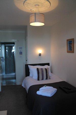 Leeway Hotel: Sea View Single Room