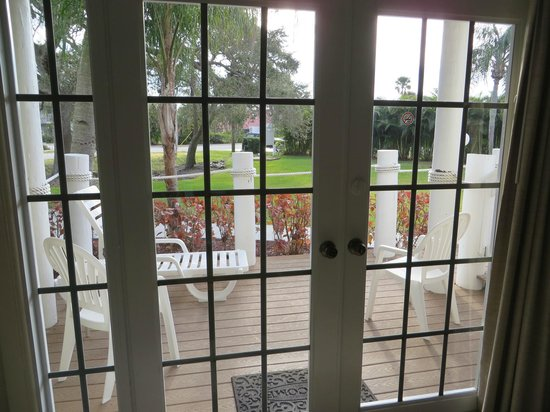 Oyster Pointe & Oyster Bay Resort: Looking out from living room