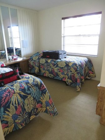 Oyster Pointe & Oyster Bay Resort: 21A 2nd twin-bed room