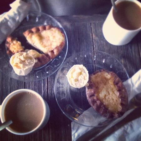 Cafe Regatta : Our coffee and Karelian pies