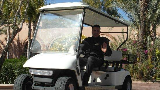 Pullman Marrakech Palmeraie Resort and Spa : Fatha en service
