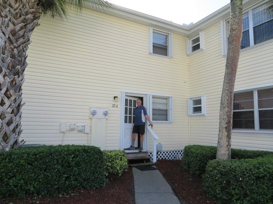 Oyster Pointe & Oyster Bay Resort: Back entrance to 21A