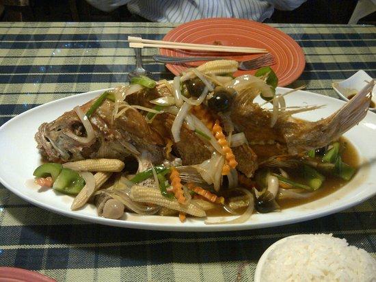 Cafe de Bangkok : Pla Jean (deep fried whole red snapper)