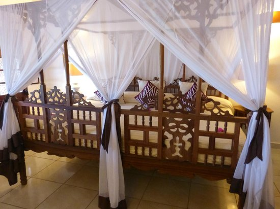 Ras Nungwi Beach Hotel : Our bedroom
