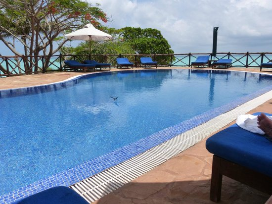 Ras Nungwi Beach Hotel : Pool