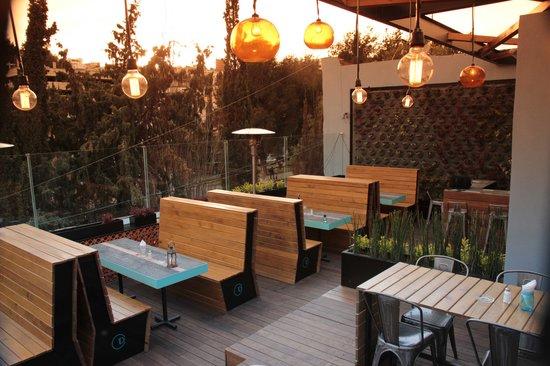 La Diez Rooftop Alameda