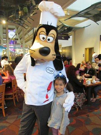 Chef Mickey's: La petite se peut plus !!!