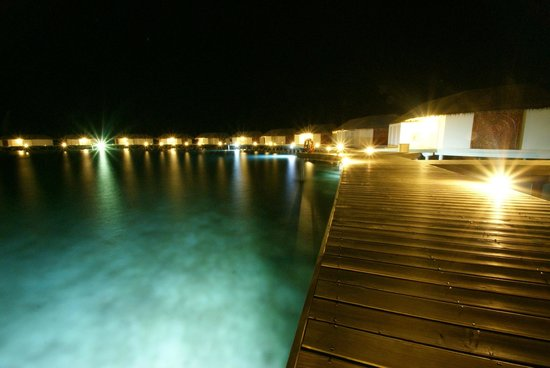 Cinnamon Dhonveli Maldives: Night Walk to the Suite