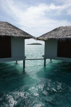 Cinnamon Dhonveli Maldives: Water Suites Rear