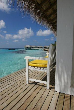 Cinnamon Dhonveli Maldives: Shady Bench Rehendhi
