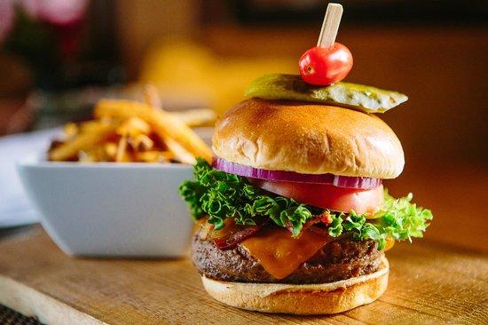 Bistro 1834 : Boar's Head Cheese Burger