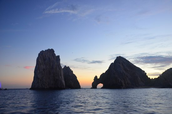 Cabo Sailing Ocean Adventures: The arch!