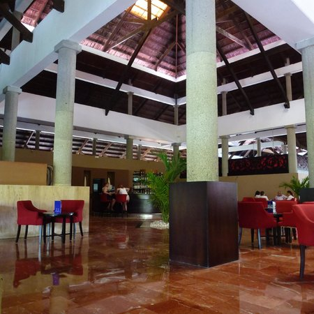 Bavaro Princess All Suites Resort, Spa & Casino: le lobby/l'accueil
