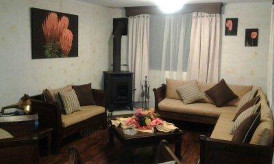 Chuquiragua Lodge & Spa: comfortable and cosy living areas with chimeney
