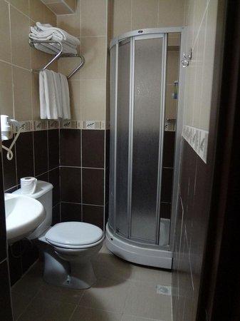 Kaya Madrid Hotel : Bathroom