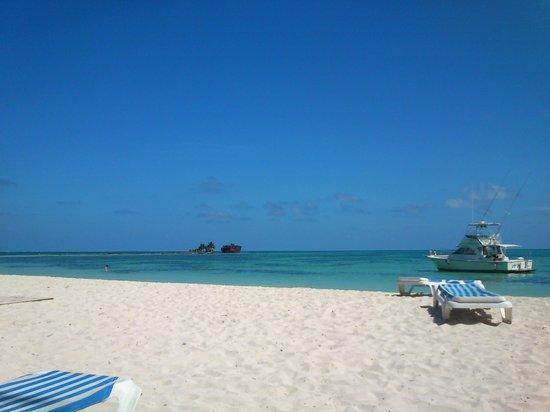 Cocoplum Beach Hotel: otra de la playa