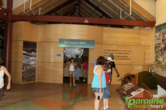 Paradise Found Tours : Inside the Grand Canyon Visitors Center.