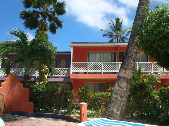 Cocoplum Beach Hotel : duchas en la pile