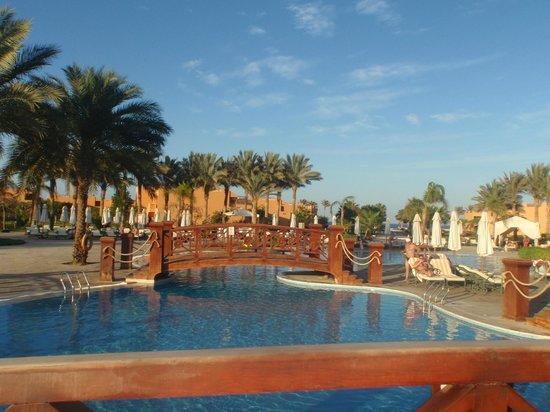 Resta Grand Resort : basen