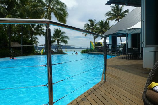 Reef View Hotel: One of the many pools
