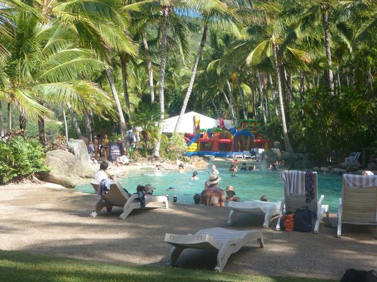 Reef View Hotel: Another swimming pool