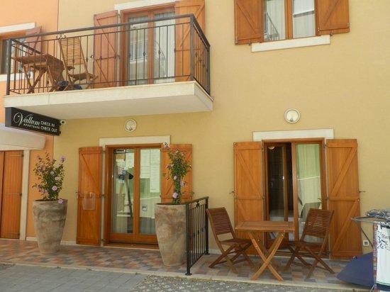 Vallum Apartments: L'ESTERNO
