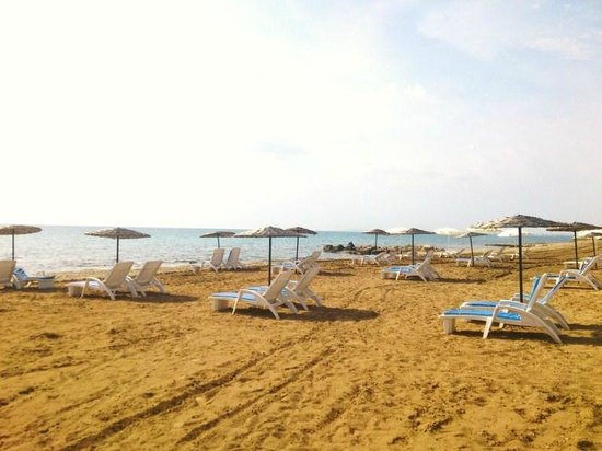 Long Beach Resort: Sandy Beach at the Resort