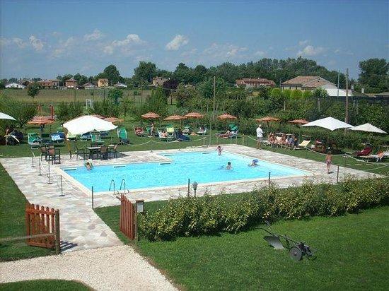 Ferragosto in piscina picture of farmhouse corte dei maghi ferrara tripadvisor - Agriturismo piscina lombardia ...
