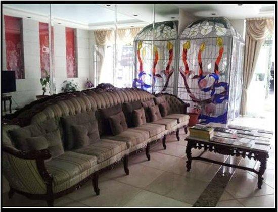 Suites Hipolito Taine : Lobby