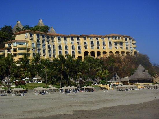Quinta Real Acapulco: Vu de la plage