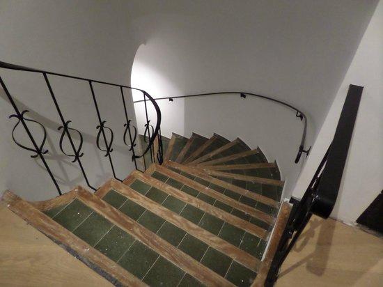 Hostal Grau: Escalera