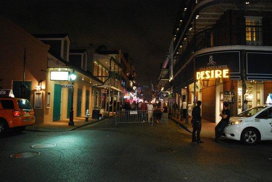 Bourbon Street: di notte