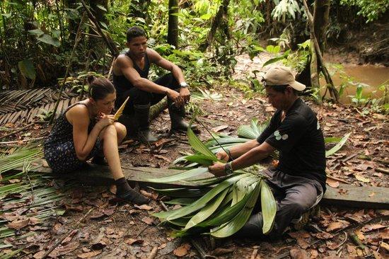 Reserva Natural Palmari: Гид показывает, как делать крышу