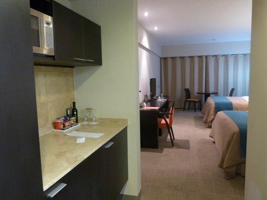 Foresta Hotel Lima: Vista de la kitchenette