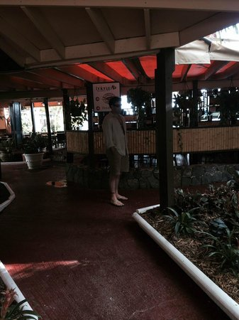 Bolongo Bay Beach Resort: Dining Front-Lobster Grille