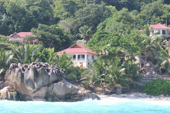 Patatran Village Hotel: Вид с моря на отель
